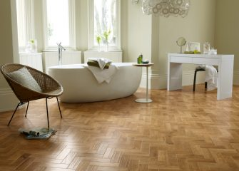 Hard wearing oak effect Kardean floor